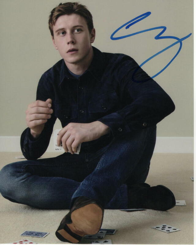 GEORGE MACKAY SIGNED AUTOGRAPH 8x10 PHOTO - 1917 STUD, SEXY, HANDSOME