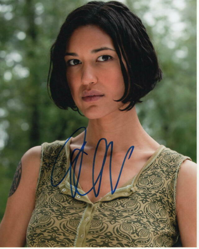 JULIA JONES SIGNED AUTOGRAPH 8X10 PHOTO - SEXY, LEAH TWILIGHT, KOHANA WESTWORLD
