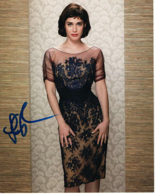LIZZY CAPLAN SIGNED AUTOGRAPH 8X10 PHOTO - FREAKS AND GEEKS, MEAN GIRLS