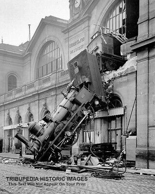 8x10 TRAIN WRECK PHOTO - Montparnasse Station Paris France 1895 - BEAUTIFUL