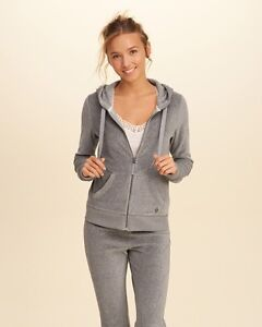 Hollister Tracksuit small