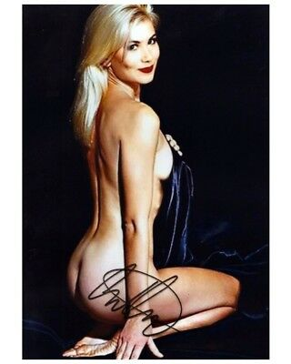 Christina Applegate Signed 8x10 Autographed Photo Reprint