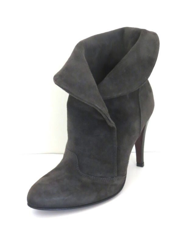 ITALIAN HIGH SUEDE ANKLE BOOT,GRAY, NEW,70% OFF,BY PRIVILEGE, SIZE 8.0,MEDIUM