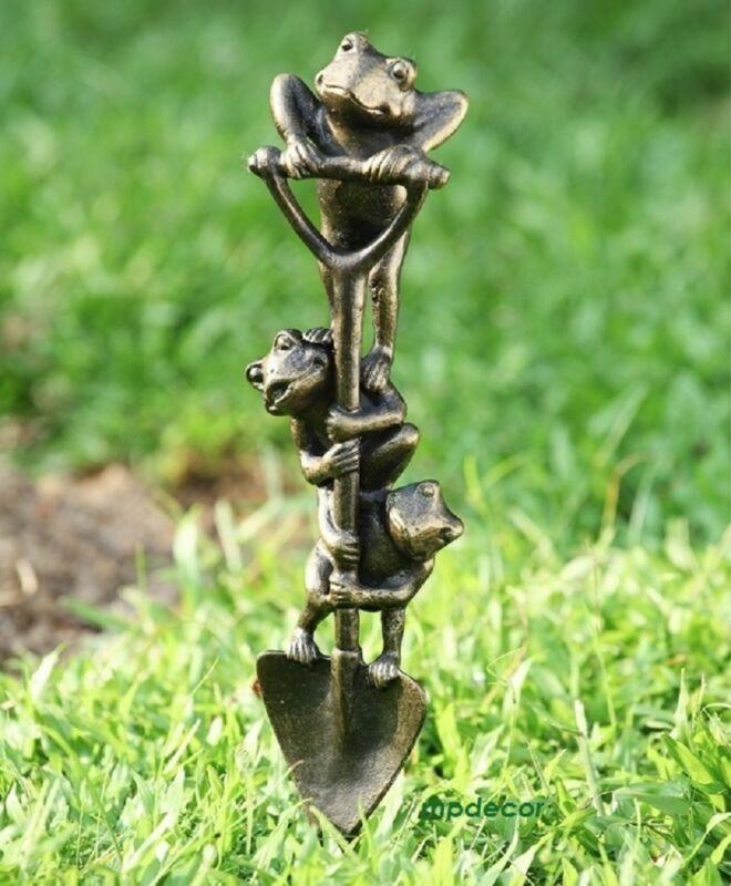 Digging Frog Trio Garden Pond Yard Metal Sculpture Statue Stake Frogs SPI 34281