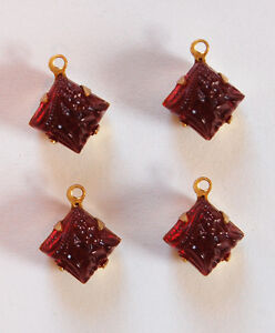 VINTAGE 4 RUBY RED FLORAL FRUIT RELIEF MOLDED GLASS BEAD PENDANTS SQUARE 8mm