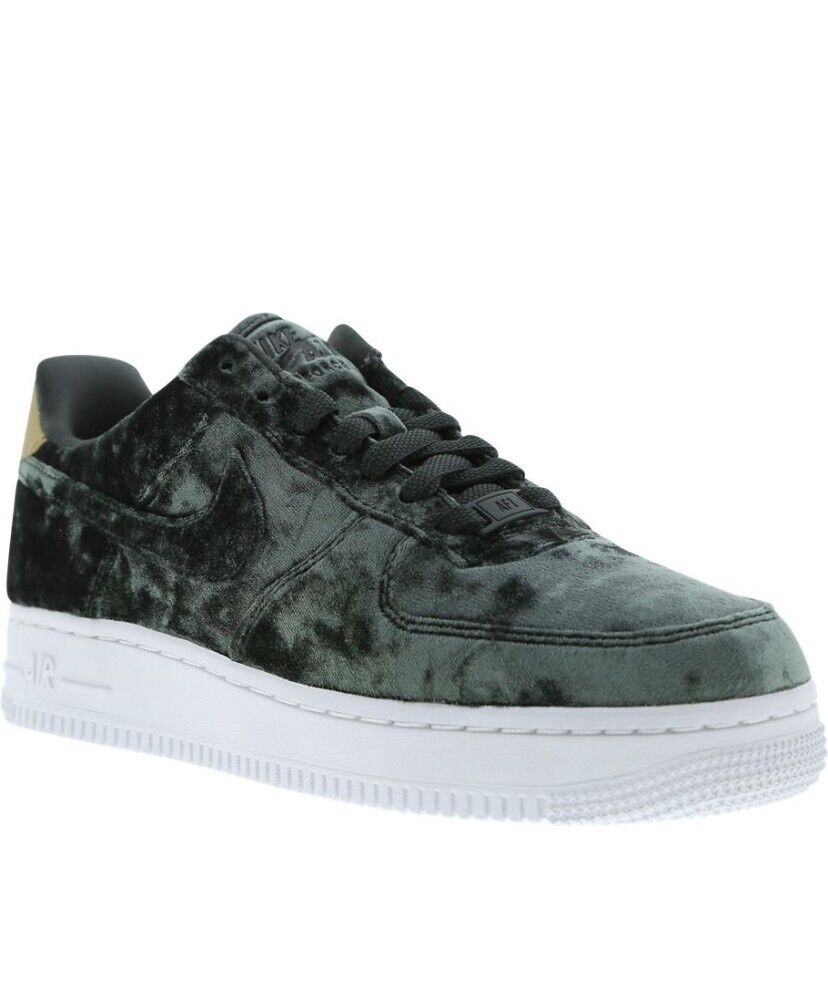 low priced de5c0 7aace Nike Air Force 1 07 Velvet