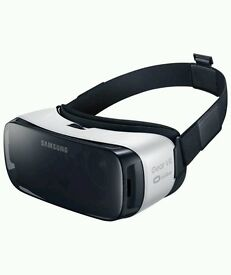 Still Available 23/10 - Samsung VR headset - comes in box LIKE NEW!