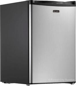 EMERSON 2.7 CU FT BAR FRIDGE - With Unique Write-on Dry Erase Door - COMPARE SURPLUS PRICES !!