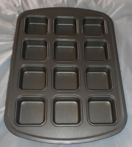 Wilton Large 12 Square Cake Pan Baking None Stick Once Used 16x11 Muffins