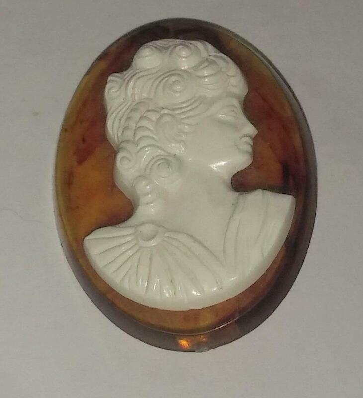 Vintage Plastic Acrylic Bakelite Cameo Pin Brooch Amber & White