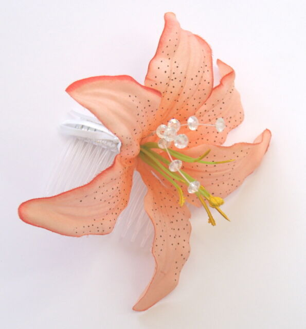 LARGE PEACH /PINK LILLY FLOWER AND DIAMONTIES FASCINATOR HAIR SLIDE COMB