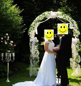 White Metal Fully Decorated Arch Wedding Accessories For Rent