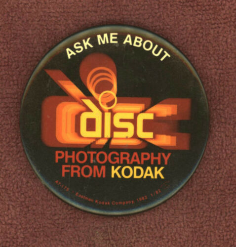 """1982 Vintage Ask Me About Disc Photography From Kodak Film 3"""" Promo Pin Button"""