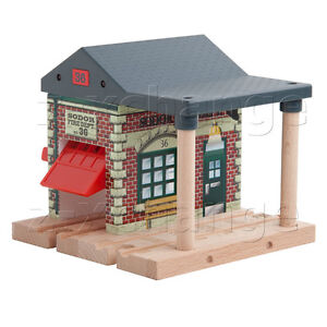 LIGHT & SOUND FIRE STATION Thomas Wooden Train SODOR FIRE DEPT NO 36 NEW