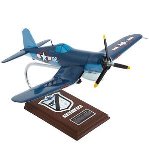 US-Marines-Vought-F4U-1A-Corsair-Pappy-Boyington-Desk-Display-1-26-Model-Airplan