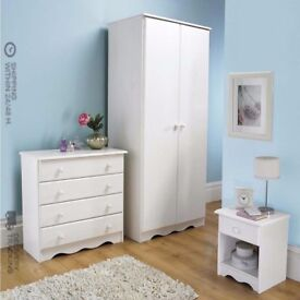 BRAND NEW Trafford 3-Piece Spacious 2 Door Wardrobe Bedside Chest Draws Bedroom Set