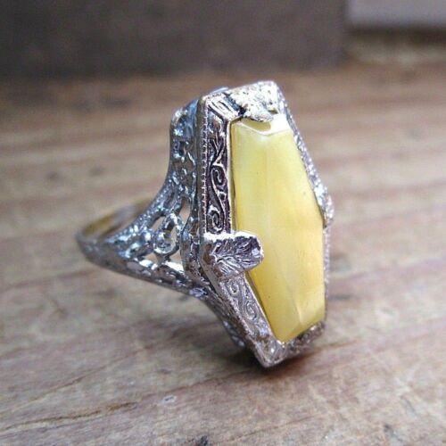 Art Deco Uncas Filigree Ring - 1920s - Yellow Opaque - Silver Tone