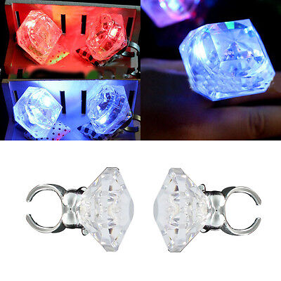 1X Unisex Plastic Light Up Flashing Big Finger Ring Glow Night Hen Party Favors ()