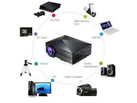 GM60 Portable Mini 1000LM Home Theatre 800x480 LED Projector