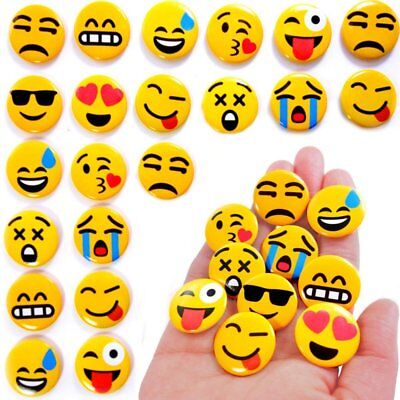 German Trendseller® - 24 x Emoji Buttons zum Anstecken | Party Emoticons | Pins