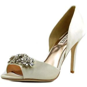 a71f99e6a6af Badgley Mischka Giana D orsay Pump PUMPS 352 Ivory 8.5 US