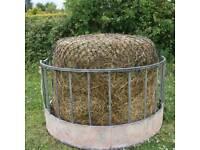Horse feeder hayledge