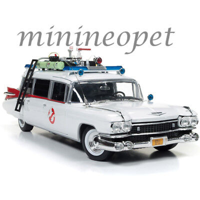 (AUTOWORLD AWSS118 GHOSTBUSTERS 1 MOVIE 1959 CADILLAC AMBULANCE ECTO 1 1/18 WHITE)