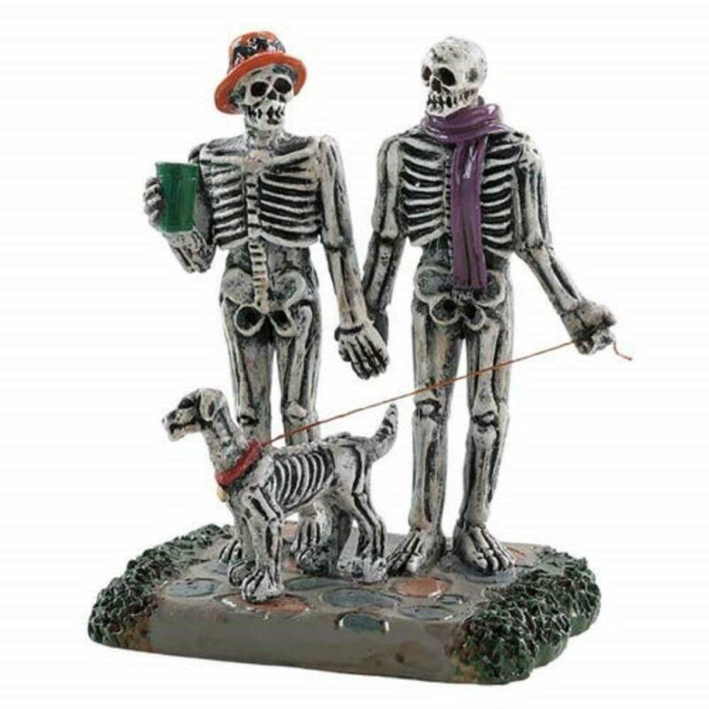 Lemax Spooky Town 2018 MOONLIGHT STROLL #82571 NRFP Village Skeleton Couple *