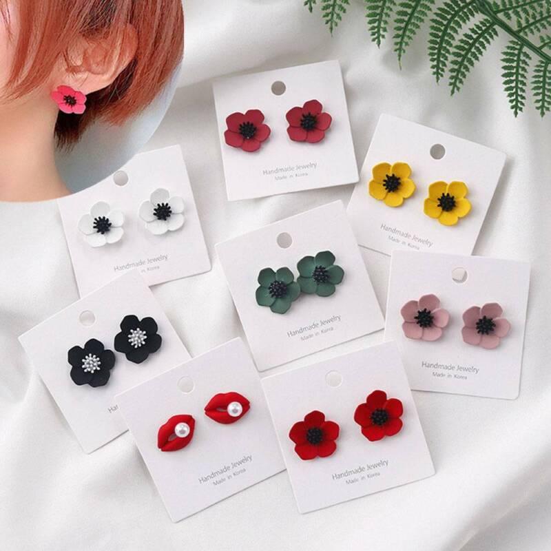 Trendy  Delicate Flower Petal Earrings Women Girl Fashion Pa