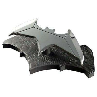 (Batman Batarang 1:1 Scale Replica QMx DC Comics Batman vs Superman)
