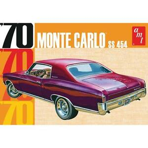 AMT 928   1970 Chevrolet Monte Carlo SS 454 Annual model kit 1/25