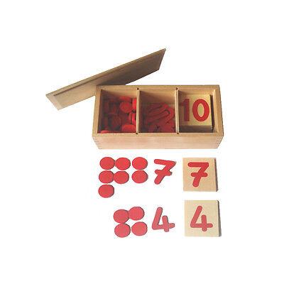 Montessori: Ziffern, Chips und Zahlenschilder im Holzkasten