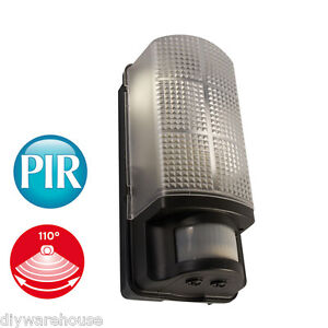 BULKHEAD SENSOR LIGHT ENERGY SAVING PIR WEATHERPROOF IP44 60W VANDAL RESISTANT