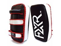 FXR SPORTS MUAY THAI KICK BOXING STRIKE ARM FOCUS PAD MMA PUNCH SHIELD MITT