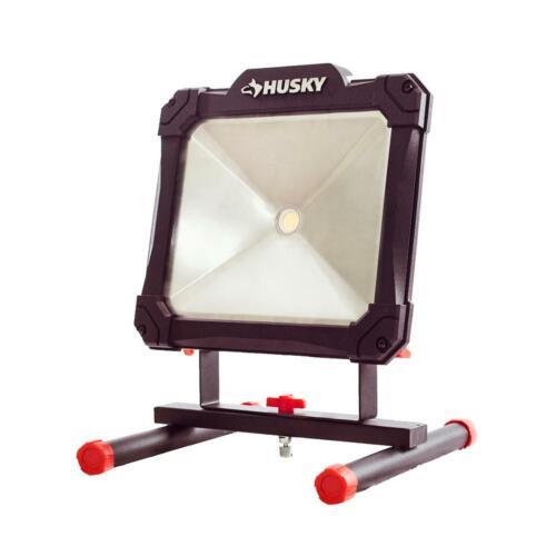 NEW!!   HUSKY 2500-Lumen Portable LED Work Light
