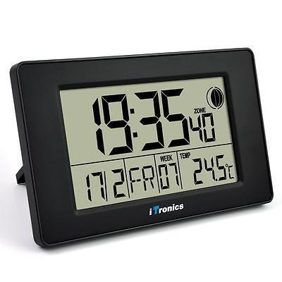 iTronics Digitale Funkwanduhr mit Temperaturanzeige & Countdown-Timer