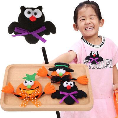 Cute Halloween Flash (Halloween Cute pumpkins Bat LED Flashing Light Up Badge/Brooch Pins Party)