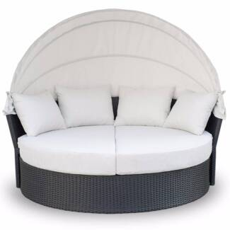 BRAND NEW :  Luxo Avoca PE Wicker Outdoor Day Bed - Black with Of Seven Hills Blacktown Area Preview