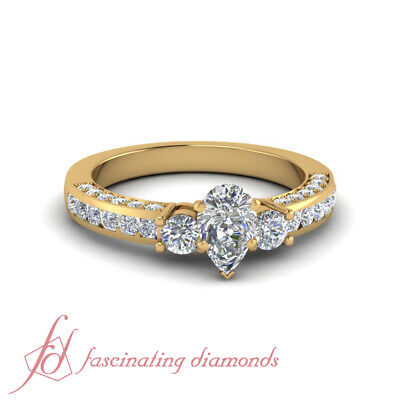 1.50 Carat Round Cut Diamond Rings With Conflict Free Pear Shaped In Center GIA