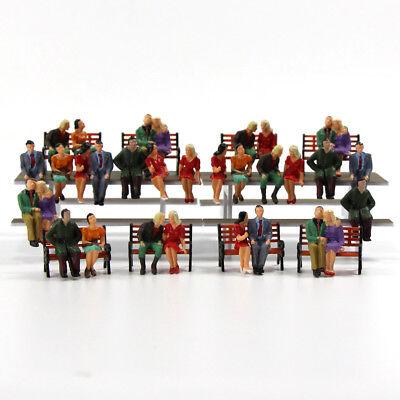P4805DE NEU 32 Stk. verschieden sitzende Figuren Spur 0 O scale 1:43