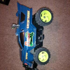 TYCO RC REMOTE COnTROL CAR Windsor Region Ontario image 2
