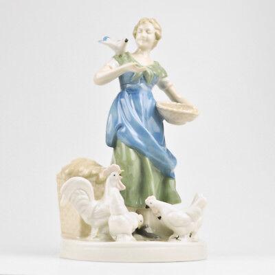 Old Porcelain Figurine Maid Farmer's Wife Figure GDR 23,6cm Birds Pigeon