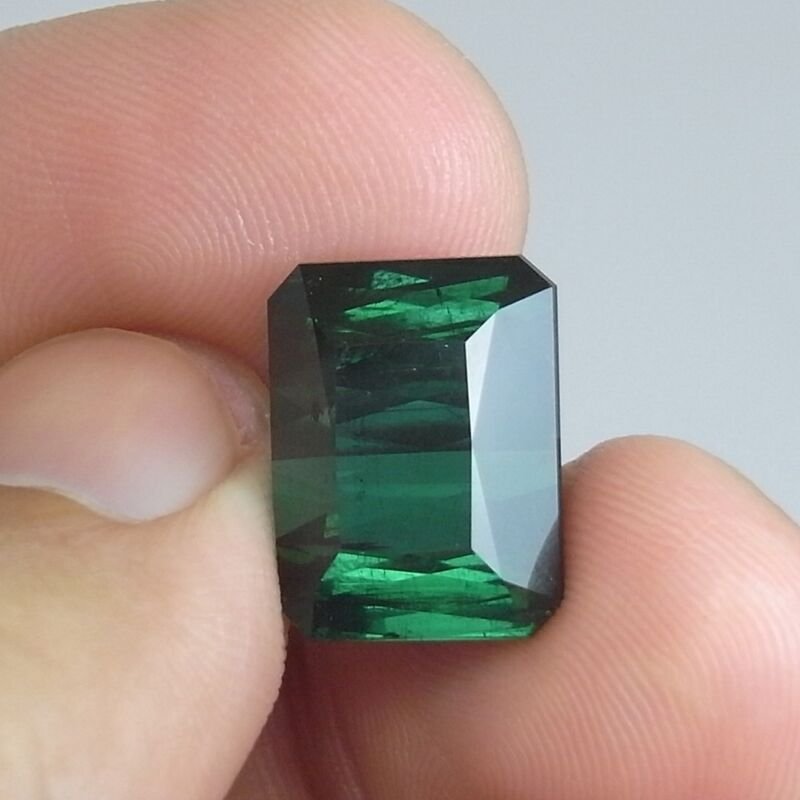 T146 / 16.15 cts. 100% Natural VS Green Tourmaline NICE! (Color same as Emerald)
