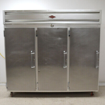 Utility R-3s-90 3-door Commercial Refrigerator Reach-in Solid Stainless Steel