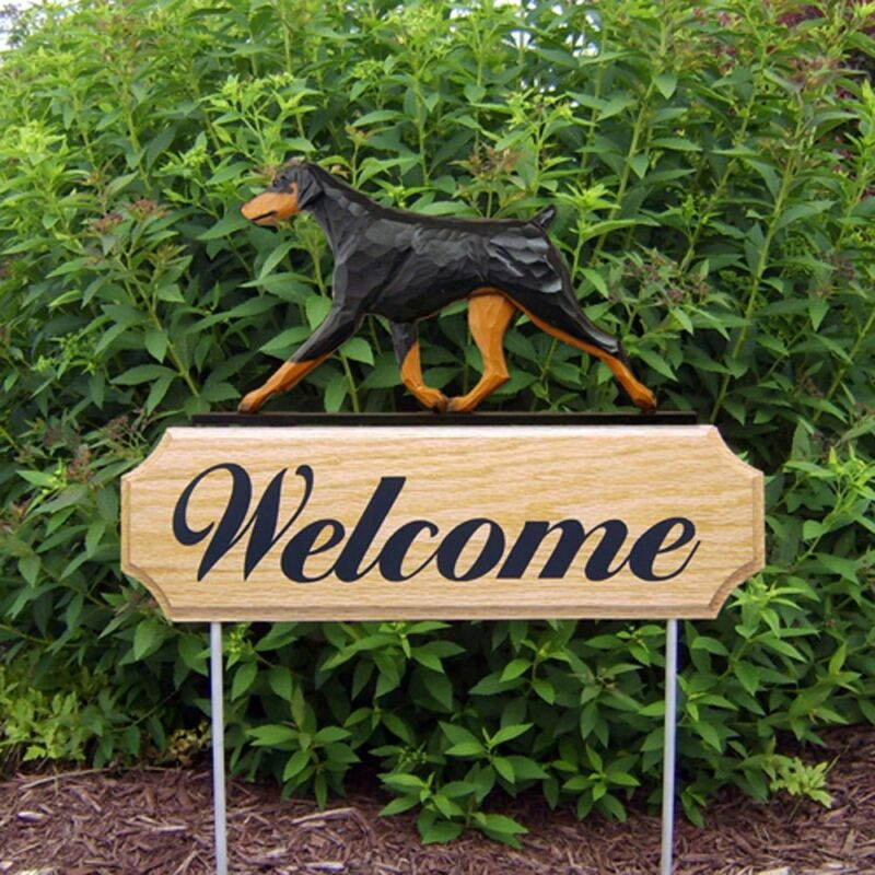 Doberman Pinscher Wood Welcome Outdoor Sign Black/Tan Uncropped