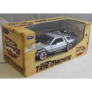 Welly TY4174 Back to the Future BTTF 3 Delorean 1:24 Scale Diecast Model Car