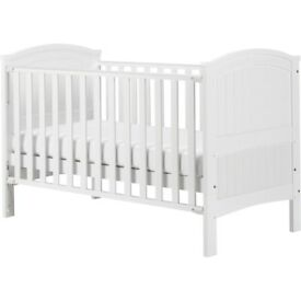 Cot Bed ( Babies R Us - Henley) - used with mattress and bedding