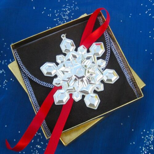 NEW• Gorham 2001 SNOWFLAKE Sterling Silver Christmas Ornament  32nd Edition