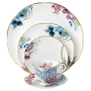Wedgewood Butterfly Bloom 5-piece dinner set Footscray Maribyrnong Area Preview