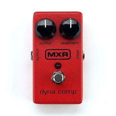 MXR M102 Dyna Comp Compressor Guitar Effects Pedal +Picks